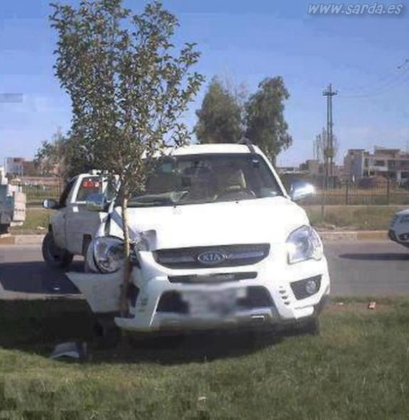 arbolito y accidente de coche