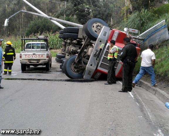 super camion volcado