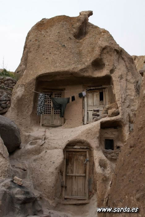 casas cuevas curiosas