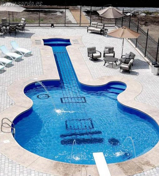 Piscina guitarra