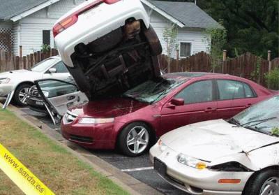 aparcando con muchas prisas