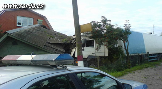 accidentes camiones casas