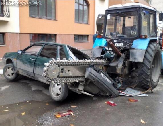 accidente trituradora-coche