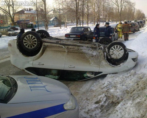 accidente coches por culpa de la nieve