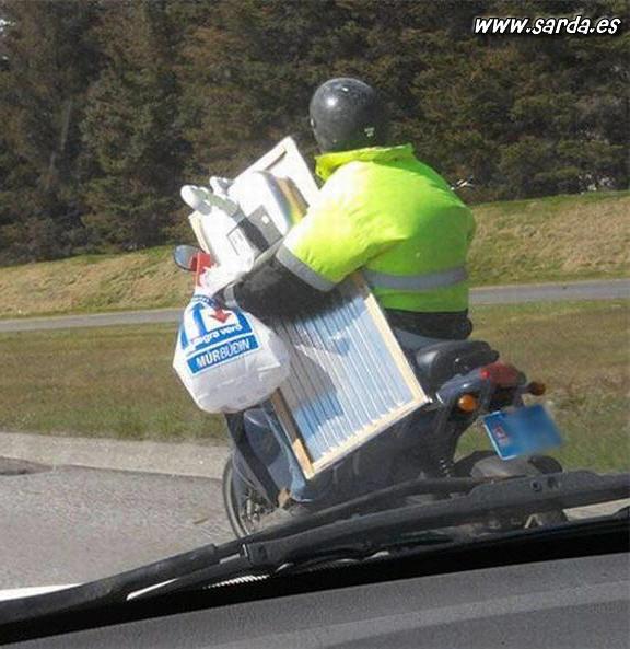 Transporte fregadero en moto